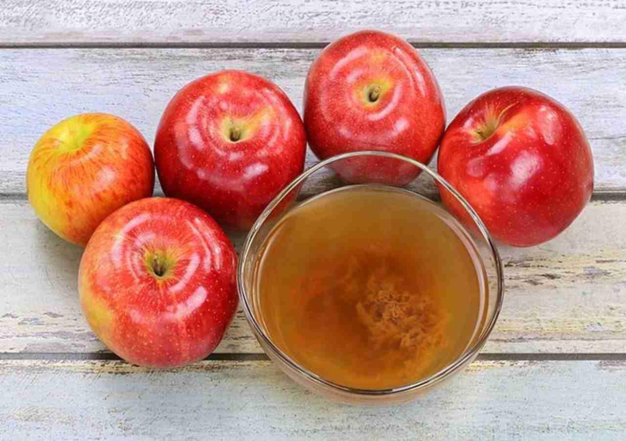 استخدام خل التفاح للقضاء على حب الشباب