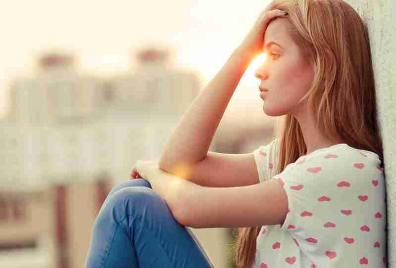 أمراض نفسية تعاني منها الفتيات في فترة المراهقة